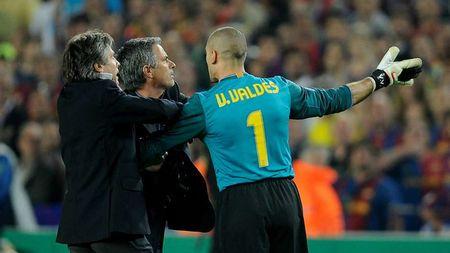 Nhung lan doi dau kinh dien cua Mourinho voi Pep Guardiola - Anh 5