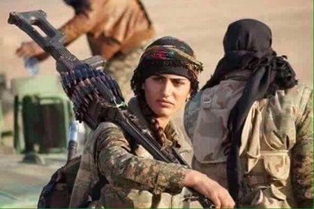 'Angelina Jolie' cua nguoi Kurd da hi sinh trong khi danh IS - Anh 1
