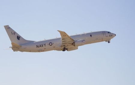 Tiem kich Su-27 cua Nga bi to ap sat may bay trinh sat My - Anh 1