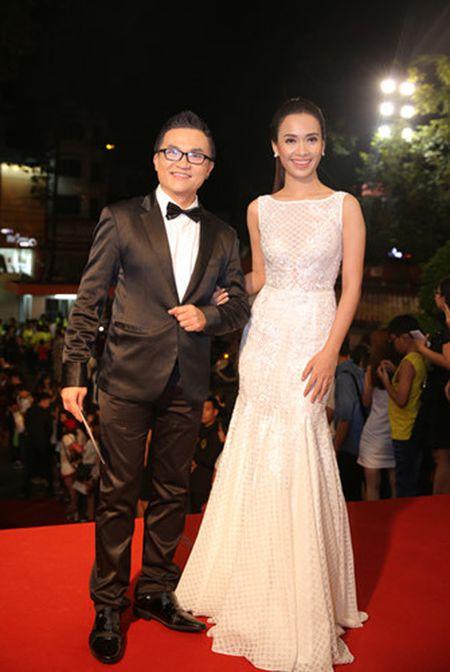 Dan my nhan Viet long lay hoi ngo tren tham do VTV Awards - Anh 10