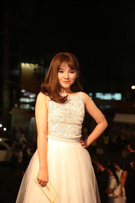Dan my nhan Viet long lay hoi ngo tren tham do VTV Awards - Anh 4
