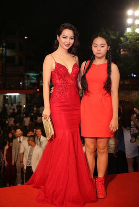Dan my nhan Viet long lay hoi ngo tren tham do VTV Awards - Anh 5