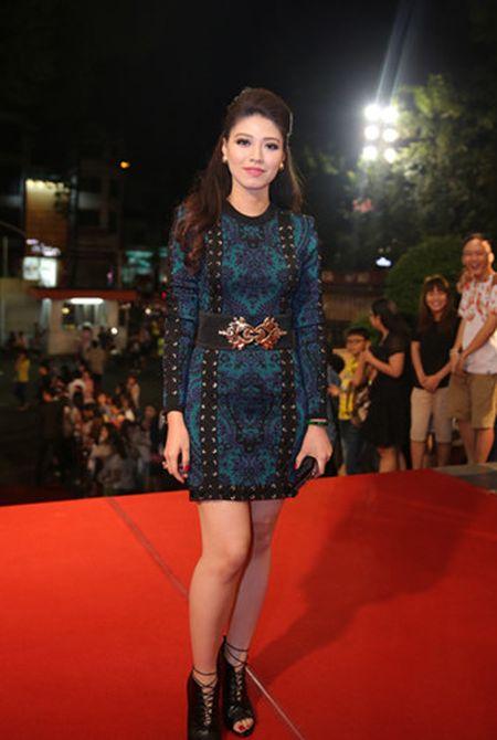 Dan my nhan Viet long lay hoi ngo tren tham do VTV Awards - Anh 7