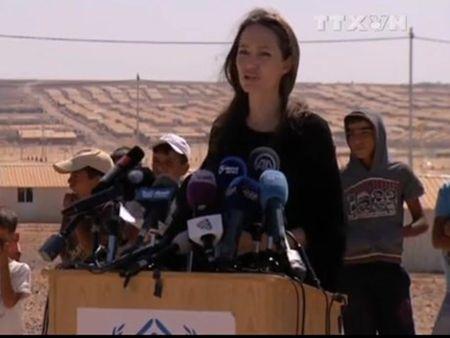 Angelina Jolie ke ve tham trang cua nguoi dan Syria - Anh 1