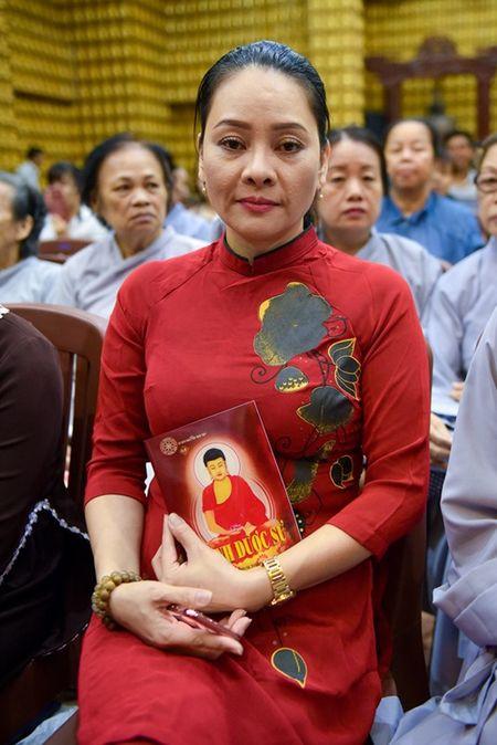 Sao Viet lam le cau an cho Minh Thuan dung ngay sinh nhat - Anh 2