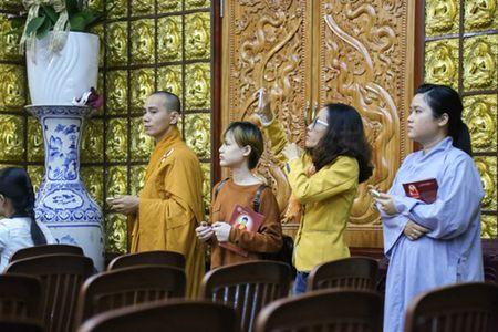 Sao Viet lam le cau an cho Minh Thuan dung ngay sinh nhat - Anh 6