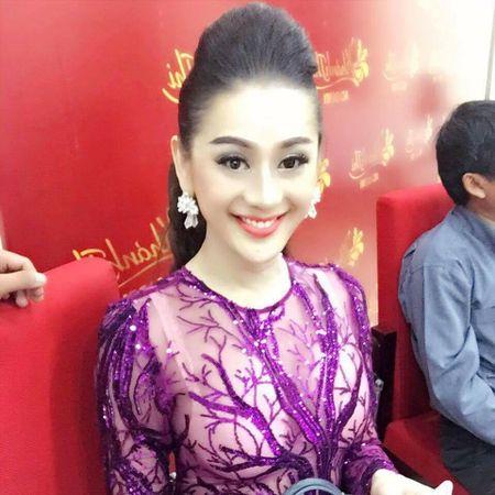 Lam Chi Khanh mac xuyen thau lo noi y di cung To nghe - Anh 3