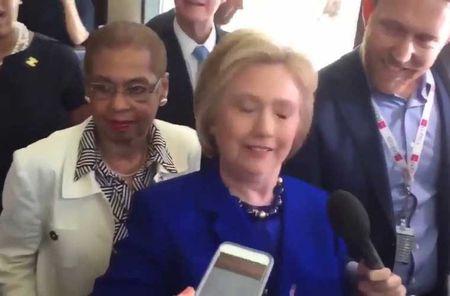 Bao tin don suc khoe cua ung vien Hillary Clinton - Anh 5