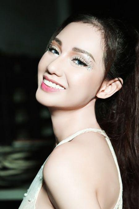 """""""Gai mot con"""" Quynh Chi ngay cang sexy kho cuong - Anh 12"""