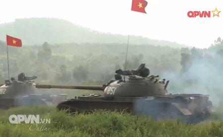 Muc so thi dan tang T-54 Viet Nam hung dung na phao - Anh 10