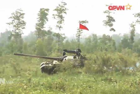 Muc so thi dan tang T-54 Viet Nam hung dung na phao - Anh 15