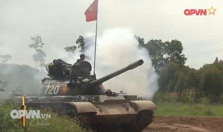 Muc so thi dan tang T-54 Viet Nam hung dung na phao - Anh 1