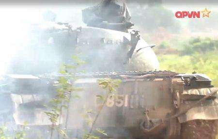 Muc so thi dan tang T-54 Viet Nam hung dung na phao - Anh 6