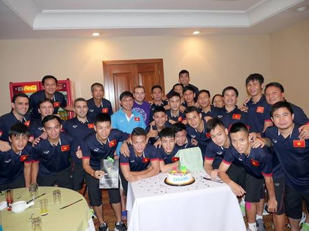 Anh doi thuong cua tuyen thu Futsal Viet Nam tai nuoc ngoai - Anh 3