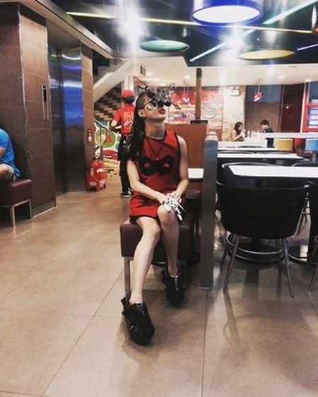 """Chang trai Sai thanh nghien an mac kieu """"nua nguoi nua ma"""" - Anh 5"""