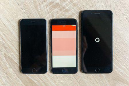 So sanh 3 mau cua iPhone: Space Grey - Black - Jet Black, may mau Den khi tray se nhu the nao? - Anh 2