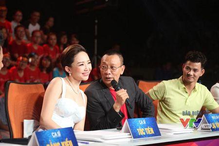 NB Lai Van Sam boi roi khi lan dau tien cam tay Toc Tien - Anh 1