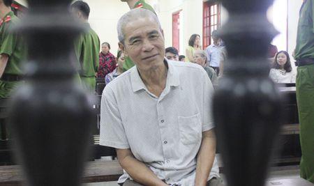 Oan nghiet: De gia U70 hiep dam chau ho 'tu hao' vi… sinh duoc con trai - Anh 1