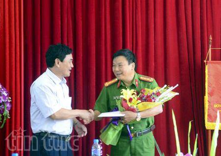 Khen thuong chien cong pha 2 chuyen an ma tuy tai Dien Bien - Anh 1