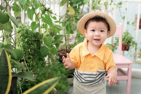 Nhat Kim Anh khoe con trai gan mot tuoi - Anh 6