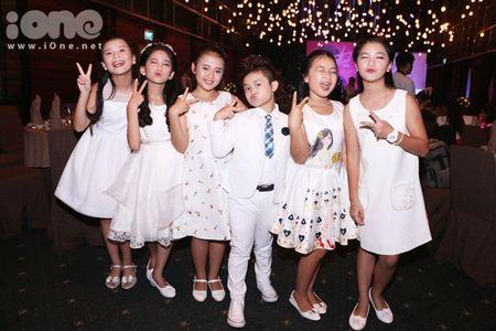 Noo Phuoc Thinh duoc sao Viet 'tiep suc' truoc 'Asia Song Festival 2016' - Anh 11