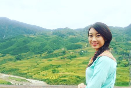 Hoa hau My Linh di sneaker don de nhay sap o Sapa - Anh 4