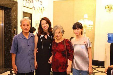 Em gai 15 tuoi nhung so huu chieu cao khung cua HH Do My Linh - Anh 1