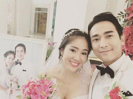 Hai con Hong Nhung thich thu kham pha cong viec lam vuon - Anh 15