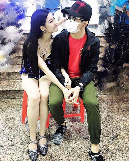 Hai con Hong Nhung thich thu kham pha cong viec lam vuon - Anh 9