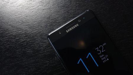 "Galaxy Note 7 duoc thay the se co dau ""S"" mau xanh - Anh 1"