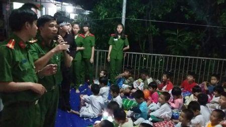 Am long hon 130 em thieu nhi Co so bao tro Co nhi Thien Binh - Anh 1