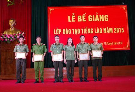 Truong Van hoa I - Bo Cong an to chuc Be giang lop dao tao tieng Lao - Anh 2