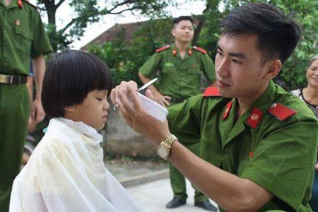 "Hoc vien Hoc vien Canh sat nhan dan ""3 cung"" tai que Bac - Anh 5"