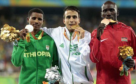 Soc: VDV khuyet tat chay nhanh hon nha vo dich Olympic - Anh 3
