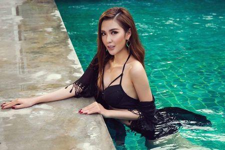 Ngoc Loan The Face dien bikini khieu khich ben Nam vuong the gioi - Anh 6