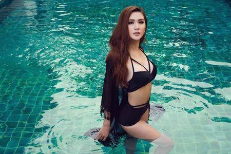 Ngoc Loan The Face dien bikini khieu khich ben Nam vuong the gioi - Anh 7