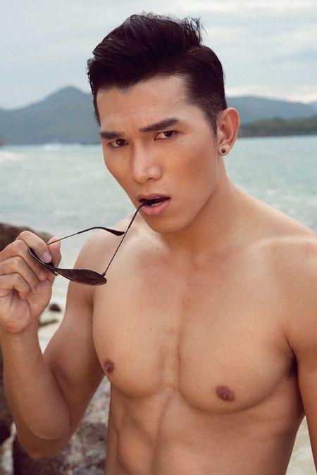 Sieu mau Ngoc Tinh dung top 3 binh chon cuoc thi Nam Vuong Dai su Hoan cau - Anh 2