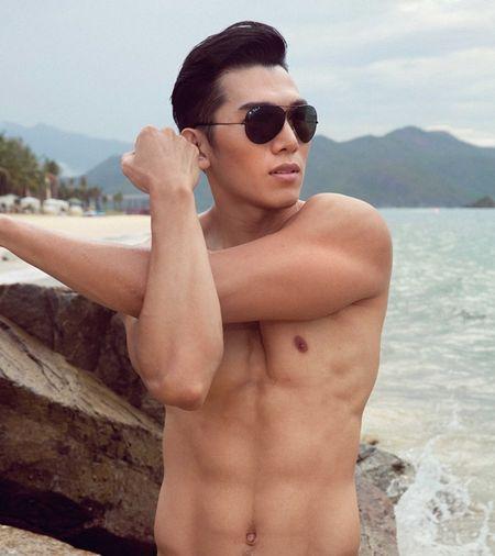 Sieu mau Ngoc Tinh dung top 3 binh chon cuoc thi Nam Vuong Dai su Hoan cau - Anh 4