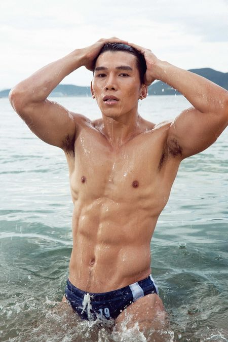 Sieu mau Ngoc Tinh dung top 3 binh chon cuoc thi Nam Vuong Dai su Hoan cau - Anh 5