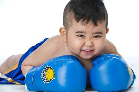 Nhung 'hot boy' nhi Viet sieu de thuong lam chao dao cong dong mang - Anh 2