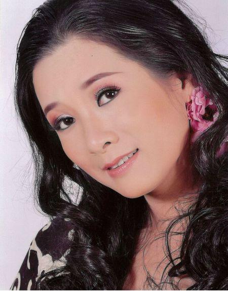 Thanh Thanh Hien bat mi ba vo dien ung y nhat cung Xuan Hinh - Anh 3