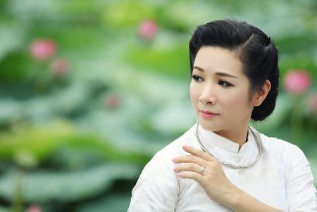 Thanh Thanh Hien bat mi ba vo dien ung y nhat cung Xuan Hinh - Anh 4