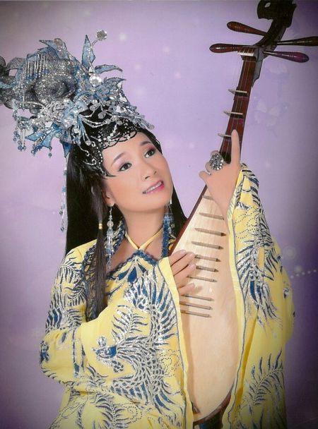 Thanh Thanh Hien bat mi ba vo dien ung y nhat cung Xuan Hinh - Anh 5