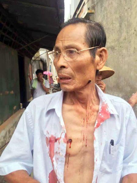 Canh sat Trung Quoc tran ap dan lang tai Quang Dong - Anh 1