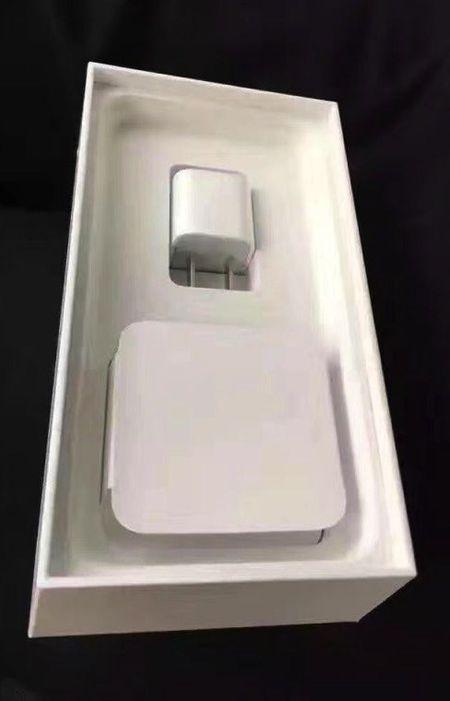 "Xuat hien anh ""dap hop"" dau tien cua iPhone 7 Jet Black - Anh 3"