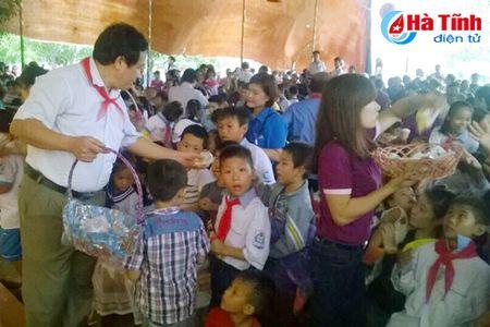TX Hong Linh to chuc trung thu diem tai phuong Duc Thuan - Anh 4