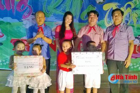 TX Hong Linh to chuc trung thu diem tai phuong Duc Thuan - Anh 5