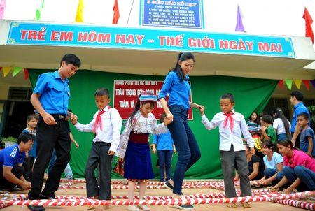 A hau Thanh Tu mang Tet Trung thu som len cao nguyen - Anh 4