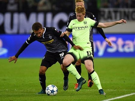Man City vs Monchengladbach (01h45 ngay 14/9): Kho can Pep Guardiola - Anh 2