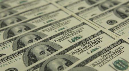 Nga bat quan chuc chong tham nhung bi nghi nhan hoi lo 120 trieu USD - Anh 1